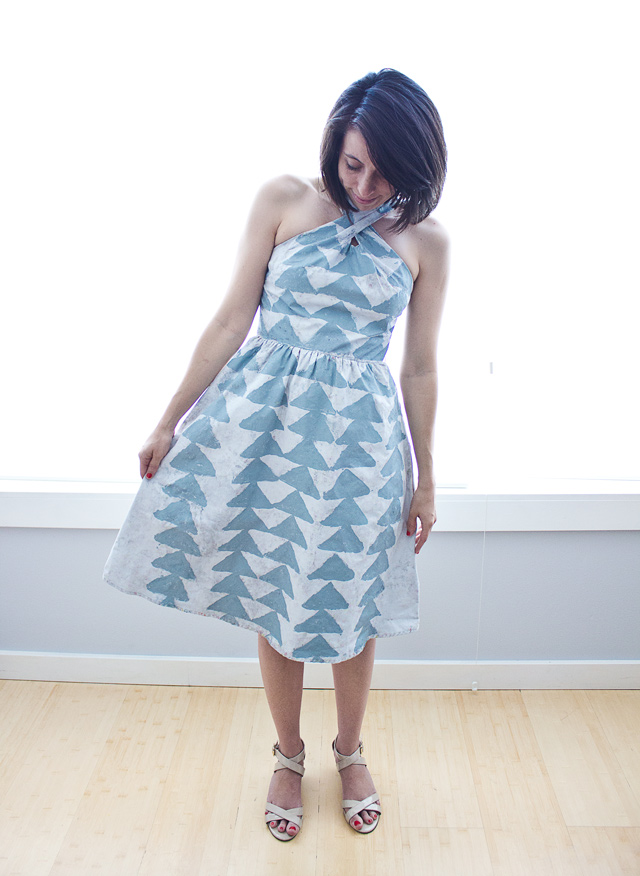 DRESS-TRIANGLE1
