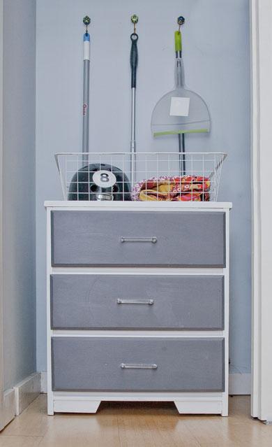 dresser-2